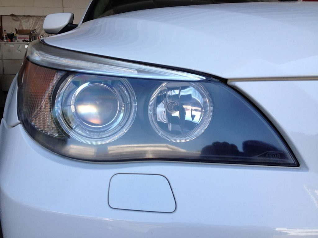 BMW 5 Series - with xenon and halogen headlight bulbs